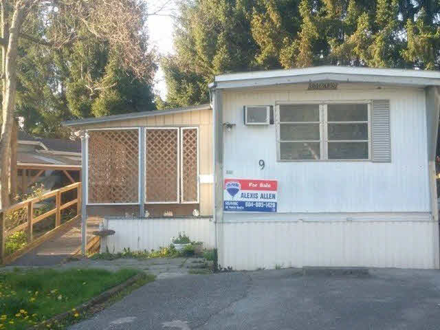 "Main Photo: 9 201 CAYER Street in Coquitlam: Maillardville Manufactured Home for sale in ""WILDWOOD PARK"" : MLS® # V1142074"