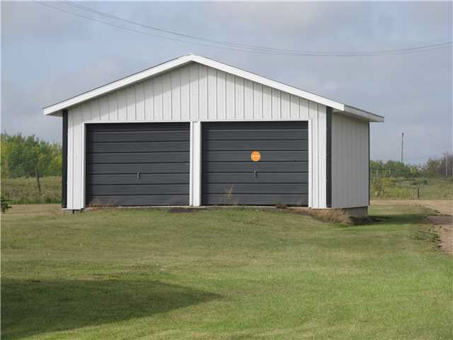 Double detached garage - great for storing toys or lawn mower
