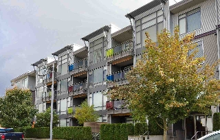 "Main Photo: 303 14200 RIVERPORT Way in Richmond: East Richmond Condo for sale in ""Waterstone Pier"" : MLS® # R2048862"