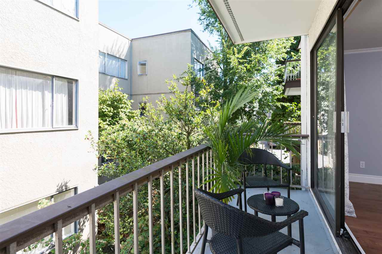 "Photo 11: 210 2040 CORNWALL Avenue in Vancouver: Kitsilano Condo for sale in ""Bryanston Court"" (Vancouver West)  : MLS(r) # R2092141"