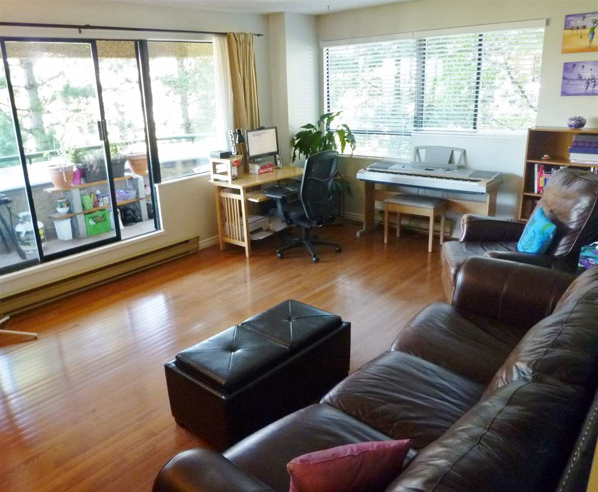 Photo 4: 402 1026 QUEENS Avenue in New Westminster: Uptown NW Condo for sale : MLS(r) # R2104067