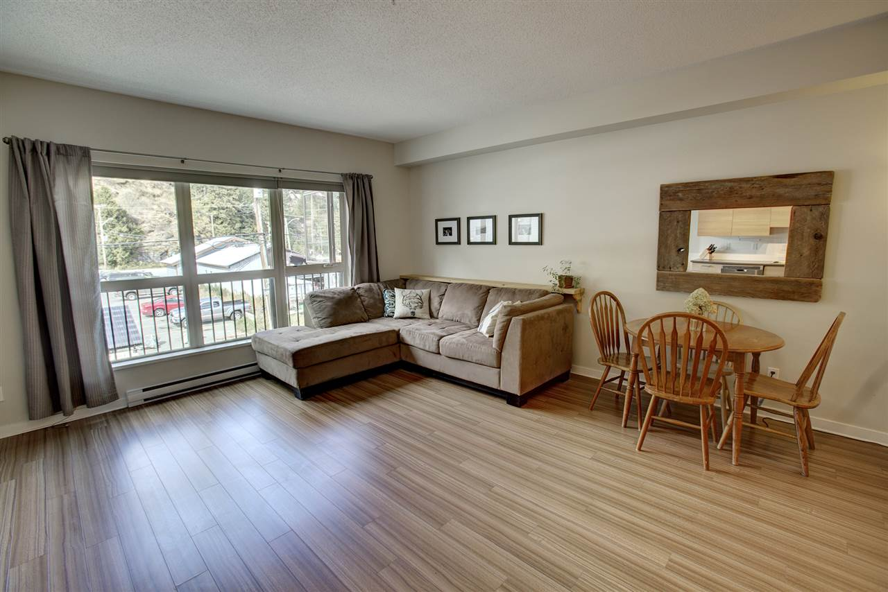 "Photo 2: 204 7445 FRONTIER Street: Pemberton Condo for sale in ""Elements"" : MLS(r) # R2107404"