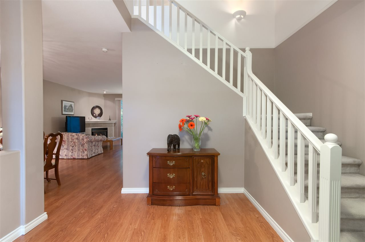 "Photo 3: 10 1506 EAGLE MOUNTAIN Drive in Coquitlam: Westwood Plateau Townhouse for sale in ""RIVER ROCK"" : MLS® # R2115721"