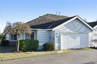 "Main Photo: 87 5550 LANGLEY Bypass in Langley: Langley City Townhouse for sale in ""RIVERWYNDE"" : MLS(r) # R2140436"