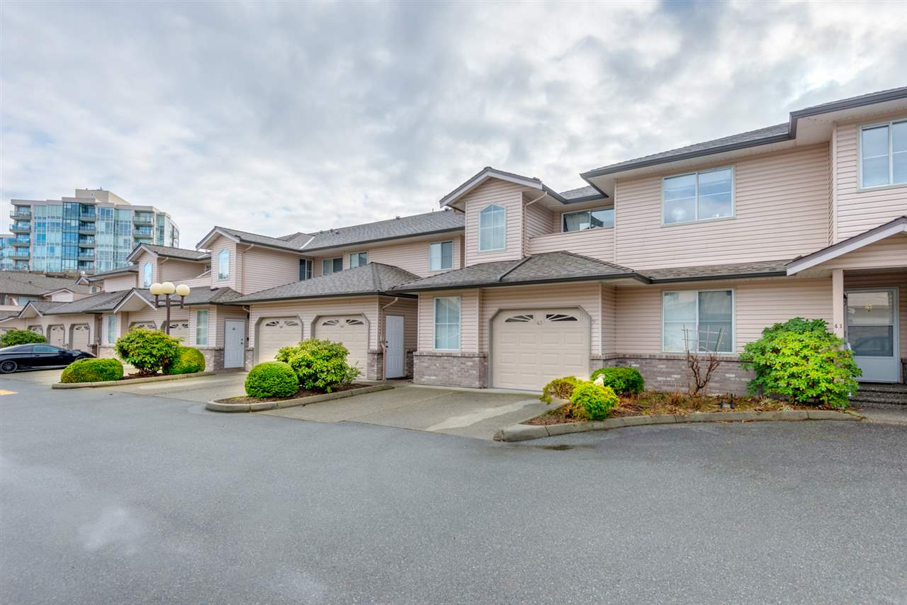 "Main Photo: 43 19060 FORD Road in Pitt Meadows: Central Meadows Townhouse for sale in ""REGENCY COURT"" : MLS® # R2141758"