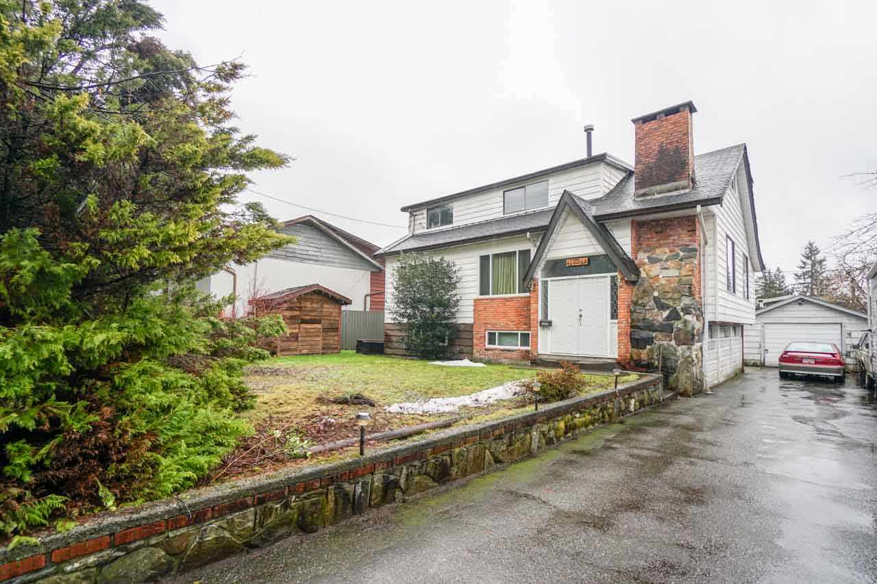 Main Photo: 1414 COMO LAKE Avenue in Coquitlam: Central Coquitlam House for sale : MLS® # R2142616