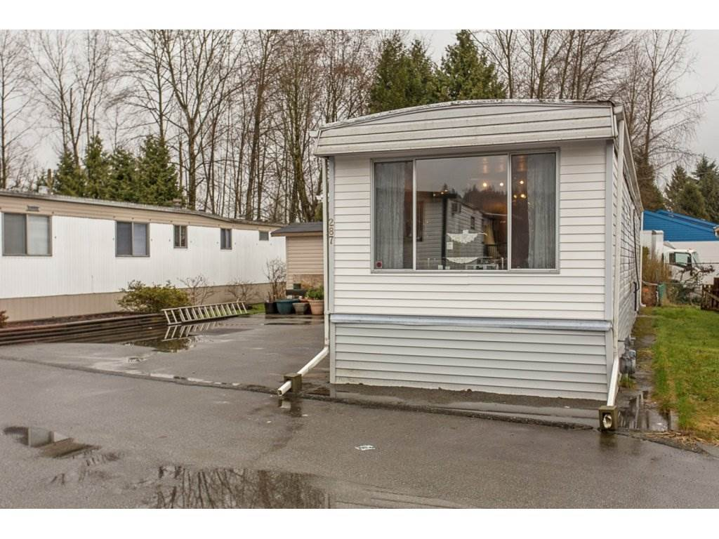 "Photo 2: 287 201 CAYER Street in Coquitlam: Maillardville Manufactured Home for sale in ""WILDWOOD MANUFACTURED HOME PARK"" : MLS® # R2147510"