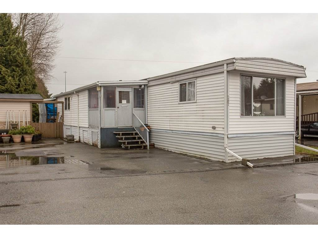 "Main Photo: 287 201 CAYER Street in Coquitlam: Maillardville Manufactured Home for sale in ""WILDWOOD MANUFACTURED HOME PARK"" : MLS® # R2147510"