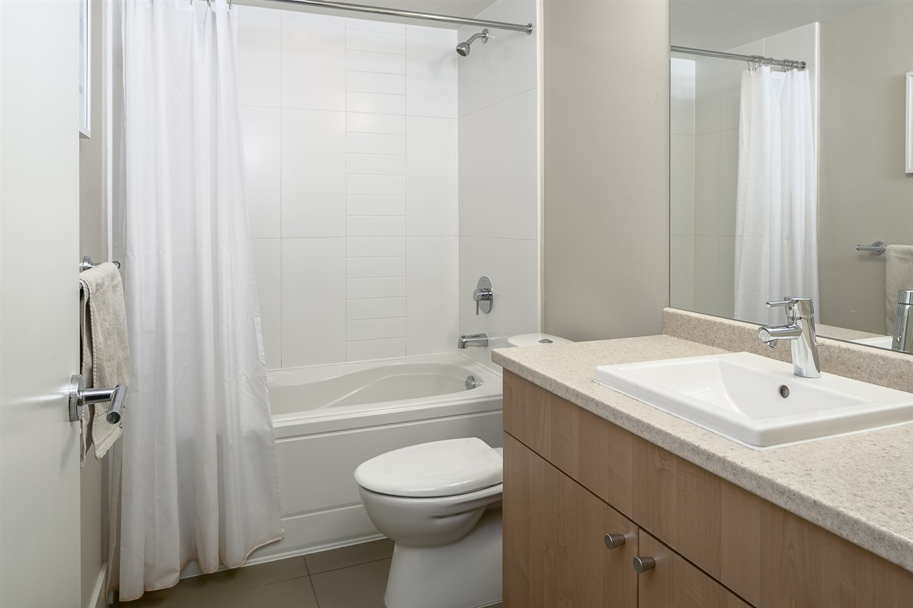 "Photo 8: 208 85 EIGHTH Avenue in New Westminster: GlenBrooke North Condo for sale in ""Eightwest"" : MLS® # R2147835"