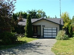 Main Photo: 733 Miller Avenue in VICTORIA: SW Royal Oak Single Family Detached for sale (Saanich West)  : MLS(r) # 378579