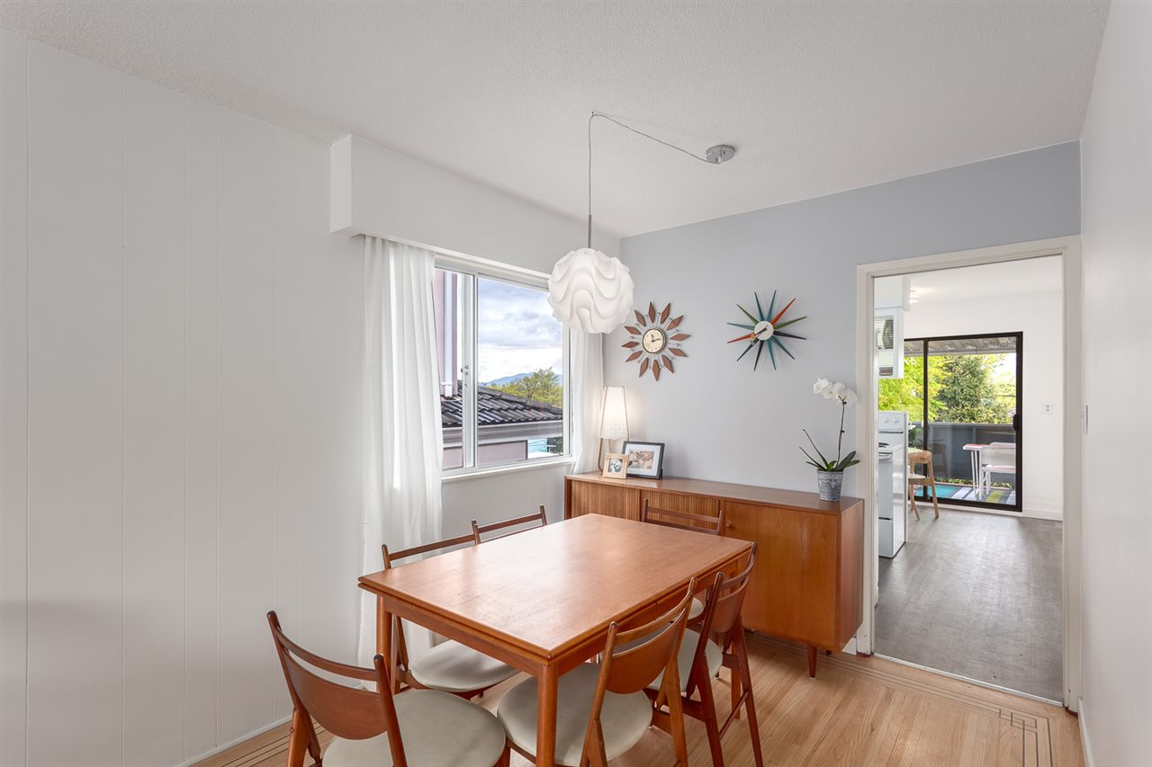 Photo 5: 2447 E 21ST Avenue in Vancouver: Renfrew Heights House for sale (Vancouver East)  : MLS® # R2176527