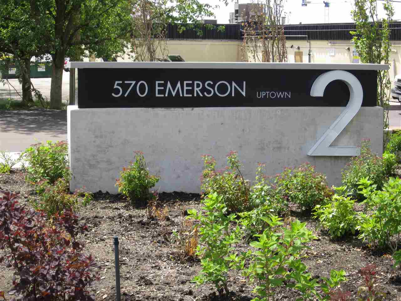 "Main Photo: 1602 570 EMERSON Street in Coquitlam: Coquitlam West Condo for sale in ""UPTOWN 2"" : MLS(r) # R2176494"