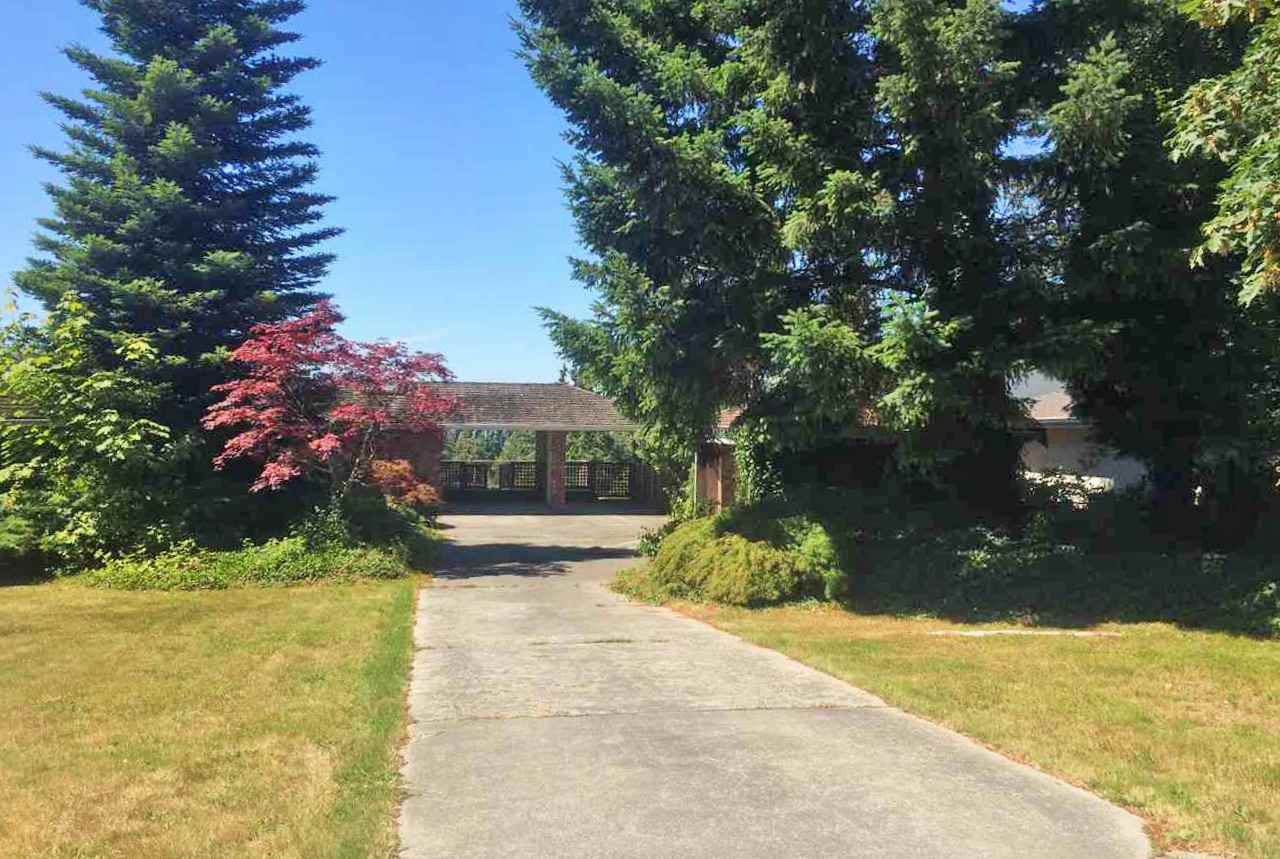 Main Photo: 2719 CRESCENT Drive in Surrey: Crescent Bch Ocean Pk. House for sale (South Surrey White Rock)  : MLS(r) # R2189599