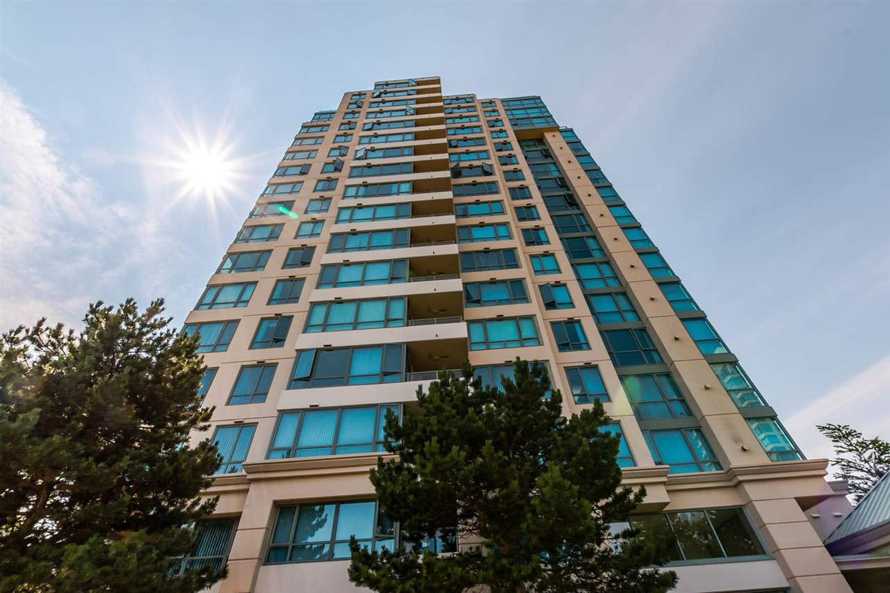 "Main Photo: 706 6622 SOUTHOAKS Crescent in Burnaby: Highgate Condo for sale in ""GILBRALTAR"" (Burnaby South)  : MLS(r) # R2189952"