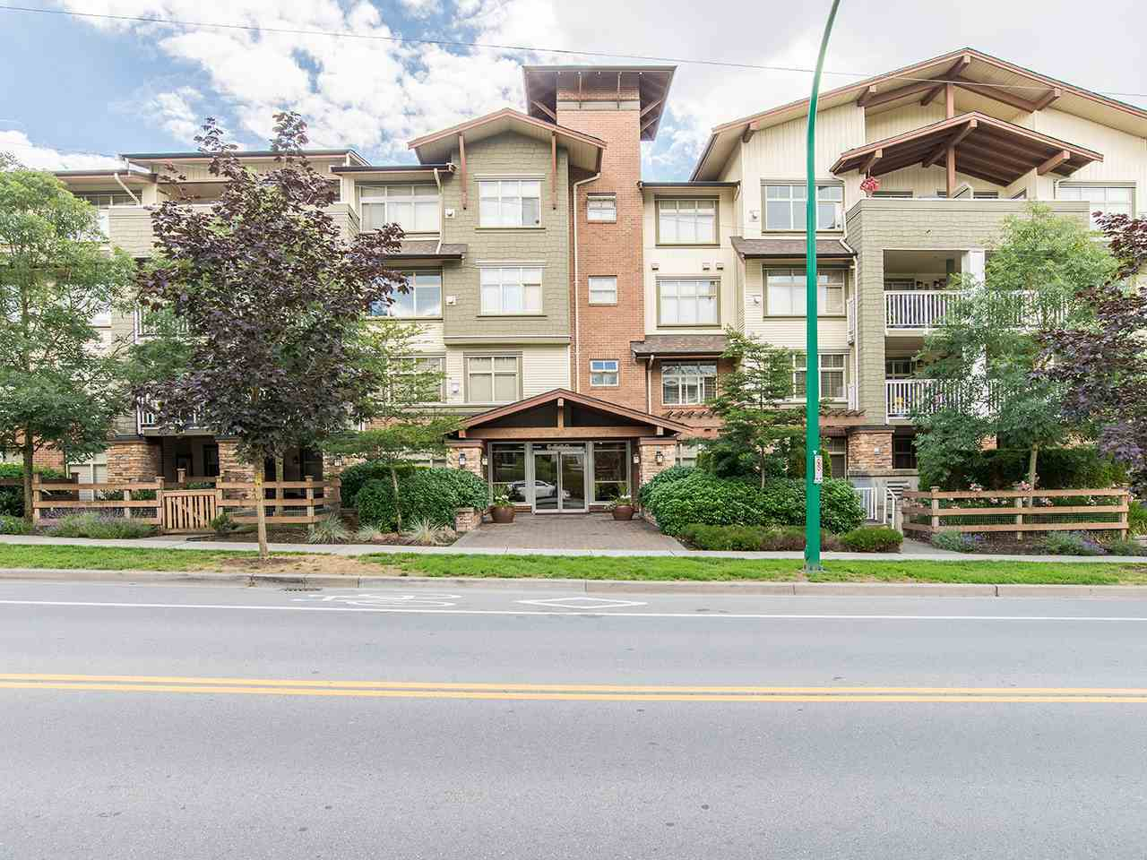 "Main Photo: 203 6500 194 Street in Surrey: Clayton Condo for sale in ""SUNSET GROVE"" (Cloverdale)  : MLS® # R2190673"