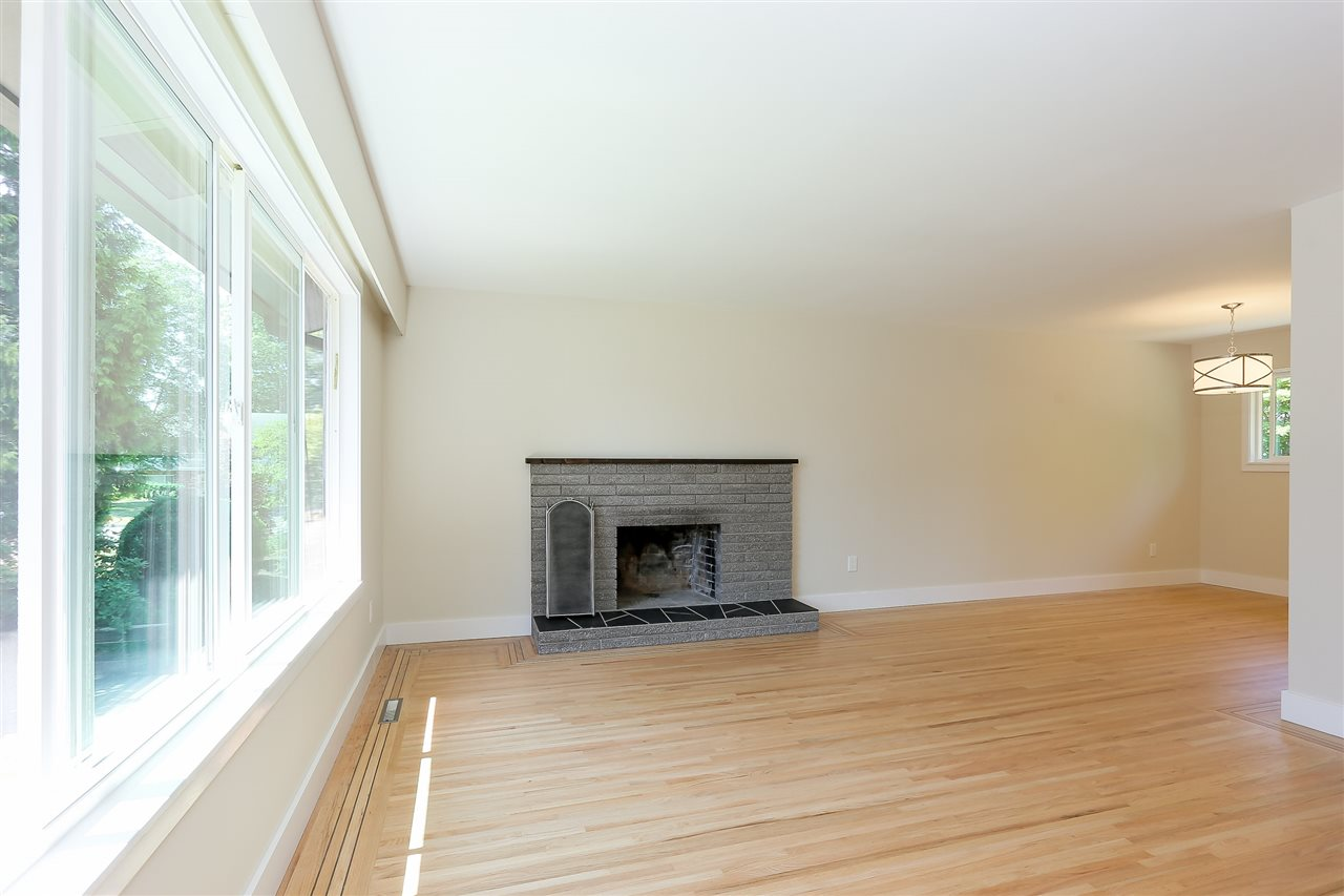 Photo 3: 1255 ELLIS DRIVE in Port Coquitlam: Birchland Manor House for sale : MLS® # R2189335