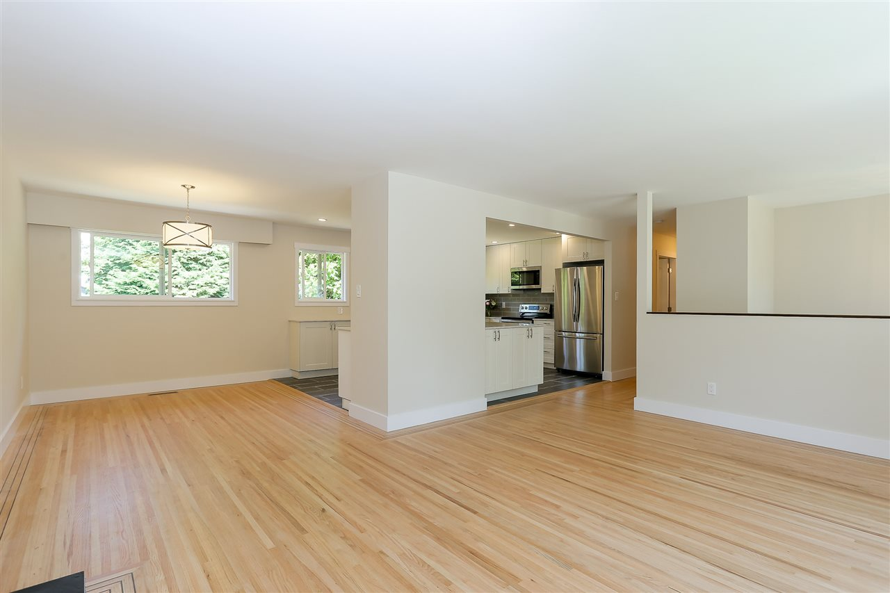 Photo 4: 1255 ELLIS DRIVE in Port Coquitlam: Birchland Manor House for sale : MLS® # R2189335