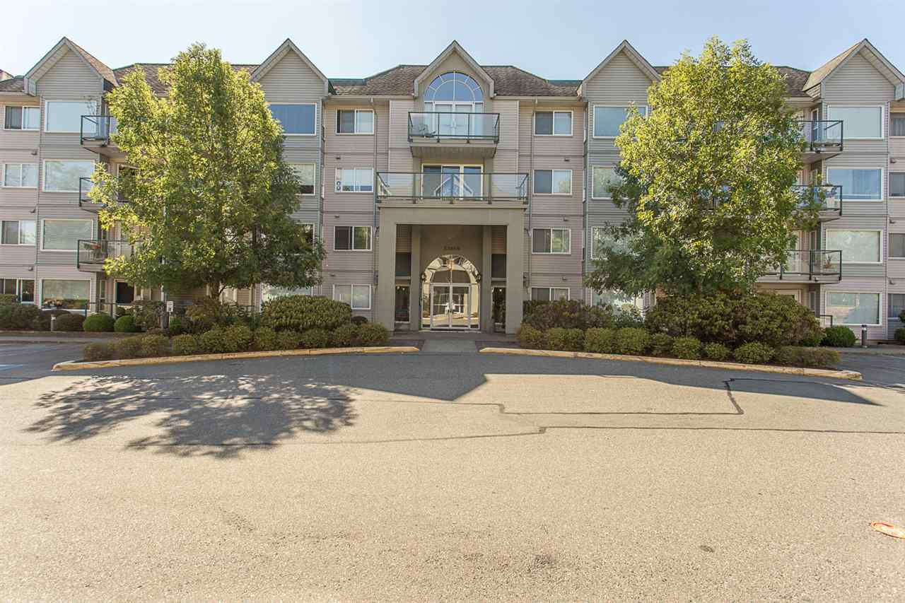 Main Photo: 206 33668 KING Road in Abbotsford: Poplar Condo for sale : MLS® # R2202051