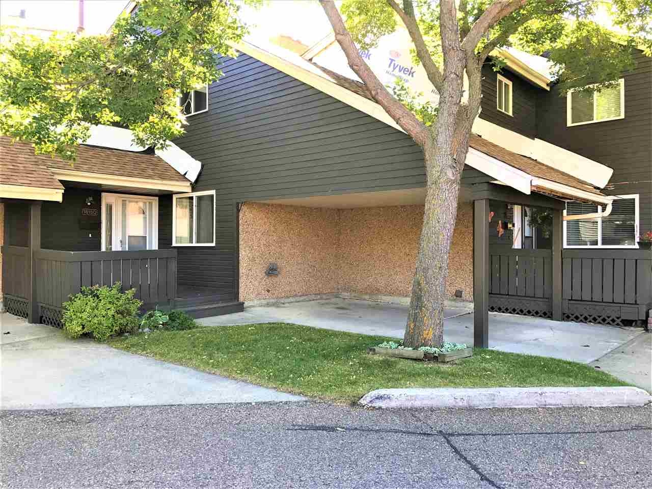 Main Photo: 18150 96 Avenue in Edmonton: Zone 20 Townhouse for sale : MLS® # E4081758