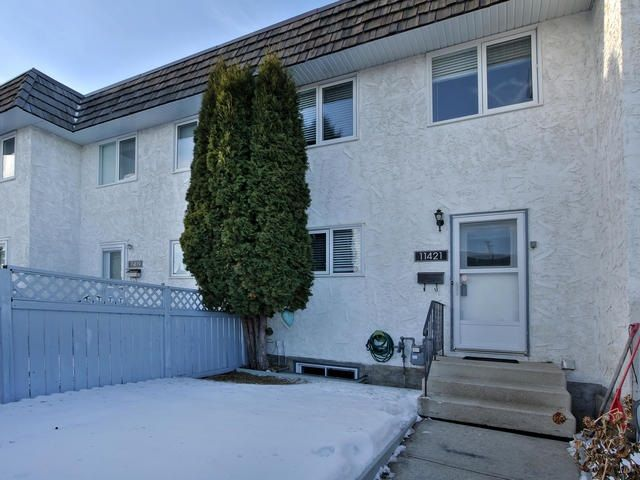 Main Photo: 11421 22 Avenue in Edmonton: Zone 16 Townhouse for sale : MLS® # E4089248