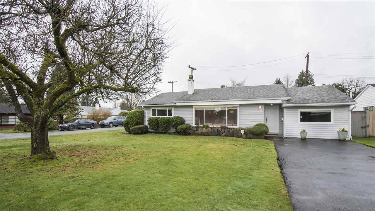 "Main Photo: 1377 FERNWOOD Crescent in North Vancouver: Norgate House for sale in ""Norgate"" : MLS® # R2237030"