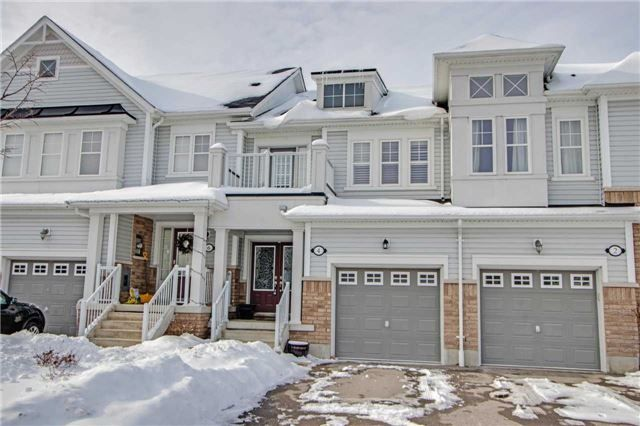 Main Photo: 4 Harbourside Drive in Whitby: Port Whitby House (2-Storey) for sale : MLS®# E4043024