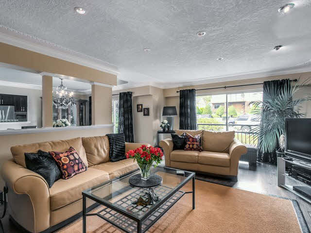 Photo 5: Photos: 515 E 18TH Street in NORTH VANC: Boulevard House for sale (North Vancouver)  : MLS®# V1142603