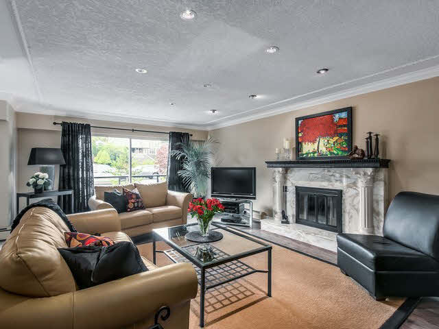 Photo 6: Photos: 515 E 18TH Street in NORTH VANC: Boulevard House for sale (North Vancouver)  : MLS®# V1142603