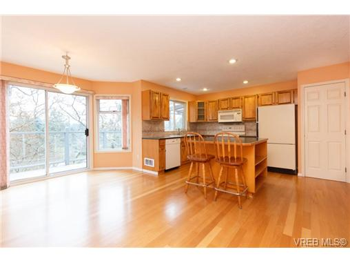 Photo 5: 251 Heddle Avenue in VICTORIA: VR View Royal Single Family Detached for sale (View Royal)  : MLS® # 358451