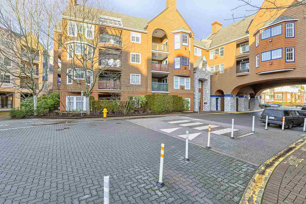 "Main Photo: 208 1369 56 Street in Delta: Cliff Drive Condo for sale in ""WINDSOR WOODS"" (Tsawwassen)  : MLS® # R2030028"