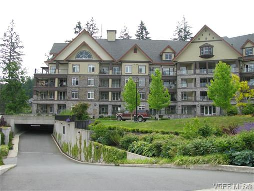 Photo 2: 305 1375 Bear Mountain Parkway in VICTORIA: La Bear Mountain Condo Apartment for sale (Langford)  : MLS® # 361330