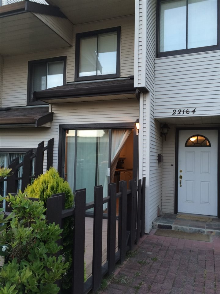 Main Photo: 22164 122 Avenue in Maple Ridge: West Central Townhouse for sale : MLS(r) # R2082526