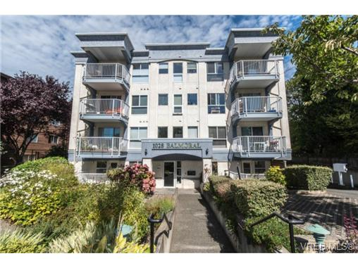 Main Photo: 104 1028 Balmoral Road in VICTORIA: Vi Central Park Condo Apartment for sale (Victoria)  : MLS®# 370038