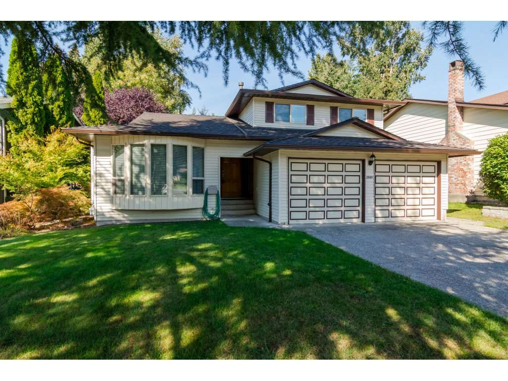 "Main Photo: 20489 TELEGRAPH Trail in Langley: Walnut Grove House for sale in ""WALNUT GROVE"" : MLS® # R2107399"