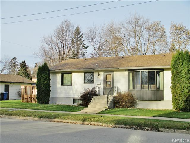 Main Photo: 101 6th Avenue Northwest in Dauphin: R30 Residential for sale (R30 - Dauphin and Area)  : MLS® # 1626382