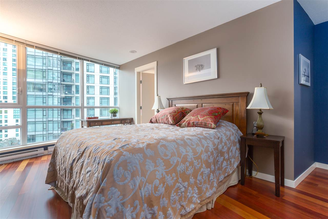 "Photo 7: 901 1189 MELVILLE Street in Vancouver: Coal Harbour Condo for sale in ""COAL HARBOUR"" (Vancouver West)  : MLS(r) # R2125909"