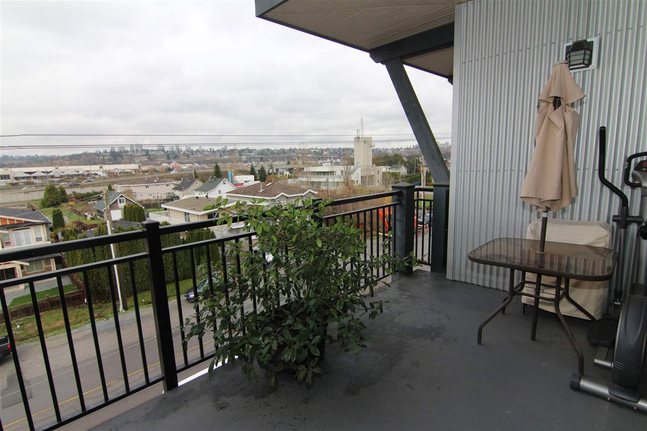 Photo 10: 405 288 HAMPTON Street in New Westminster: Queensborough Condo for sale : MLS® # R2127683