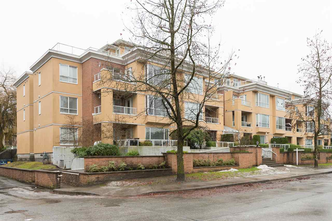 "Main Photo: 211 2340 HAWTHORNE Avenue in Port Coquitlam: Central Pt Coquitlam Condo for sale in ""BARRINGTON PLACE"" : MLS® # R2133893"