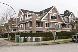 "Main Photo: 204 1320 55 Street in Delta: Cliff Drive Condo for sale in ""SANDALWOOD"" (Tsawwassen)  : MLS® # R2137376"