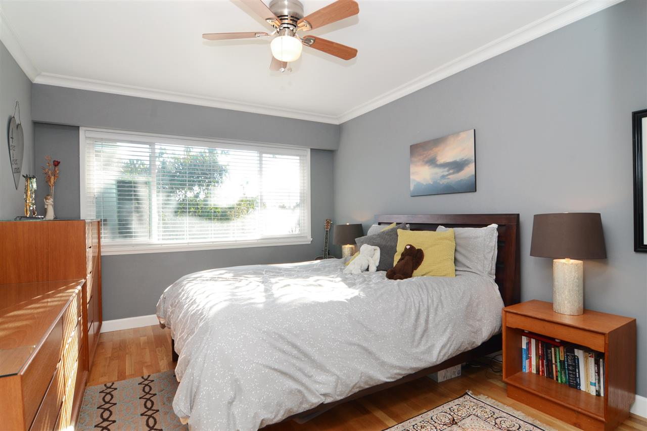 "Photo 11: 4672 ALPHA Drive in Burnaby: Brentwood Park House for sale in ""BRENTWOOD PARK"" (Burnaby North)  : MLS(r) # R2162426"