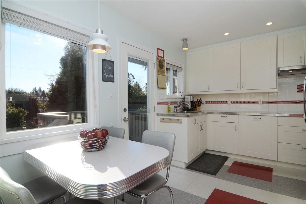 "Photo 7: 4672 ALPHA Drive in Burnaby: Brentwood Park House for sale in ""BRENTWOOD PARK"" (Burnaby North)  : MLS(r) # R2162426"