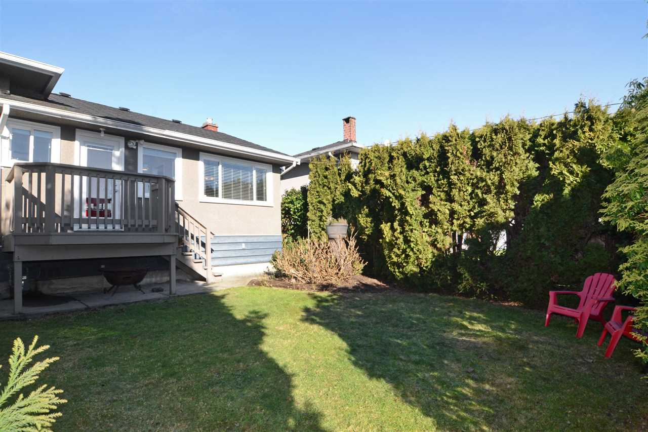 "Photo 19: 4672 ALPHA Drive in Burnaby: Brentwood Park House for sale in ""BRENTWOOD PARK"" (Burnaby North)  : MLS(r) # R2162426"