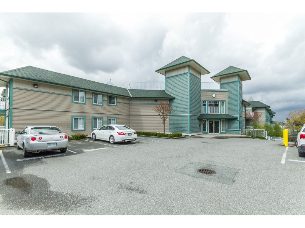 "Main Photo: 403 33960 OLD YALE Road in Abbotsford: Central Abbotsford Condo for sale in ""OLD YALE HEIGHTS"" : MLS(r) # R2163167"