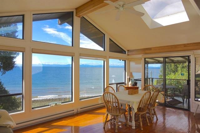 Main Photo: 1980 OCEAN BEACH Esplanade in Gibsons: Gibsons & Area House for sale (Sunshine Coast)  : MLS(r) # R2167669