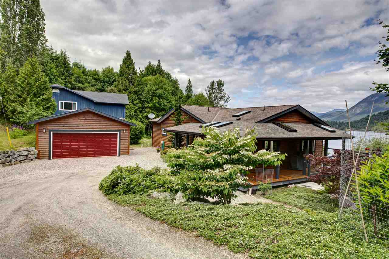 Photo 6: 6346 N GALE Avenue in Sechelt: Sechelt District House for sale (Sunshine Coast)  : MLS(r) # R2172275