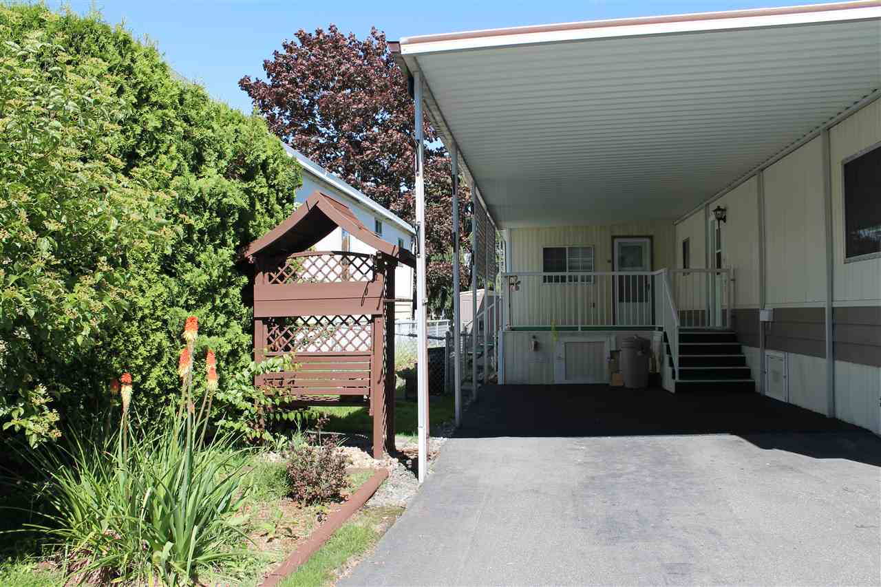 "Photo 2: 58 15875 20TH Avenue in Surrey: King George Corridor Manufactured Home for sale in ""SEA RIDGE BAYS"" (South Surrey White Rock)  : MLS(r) # R2178456"