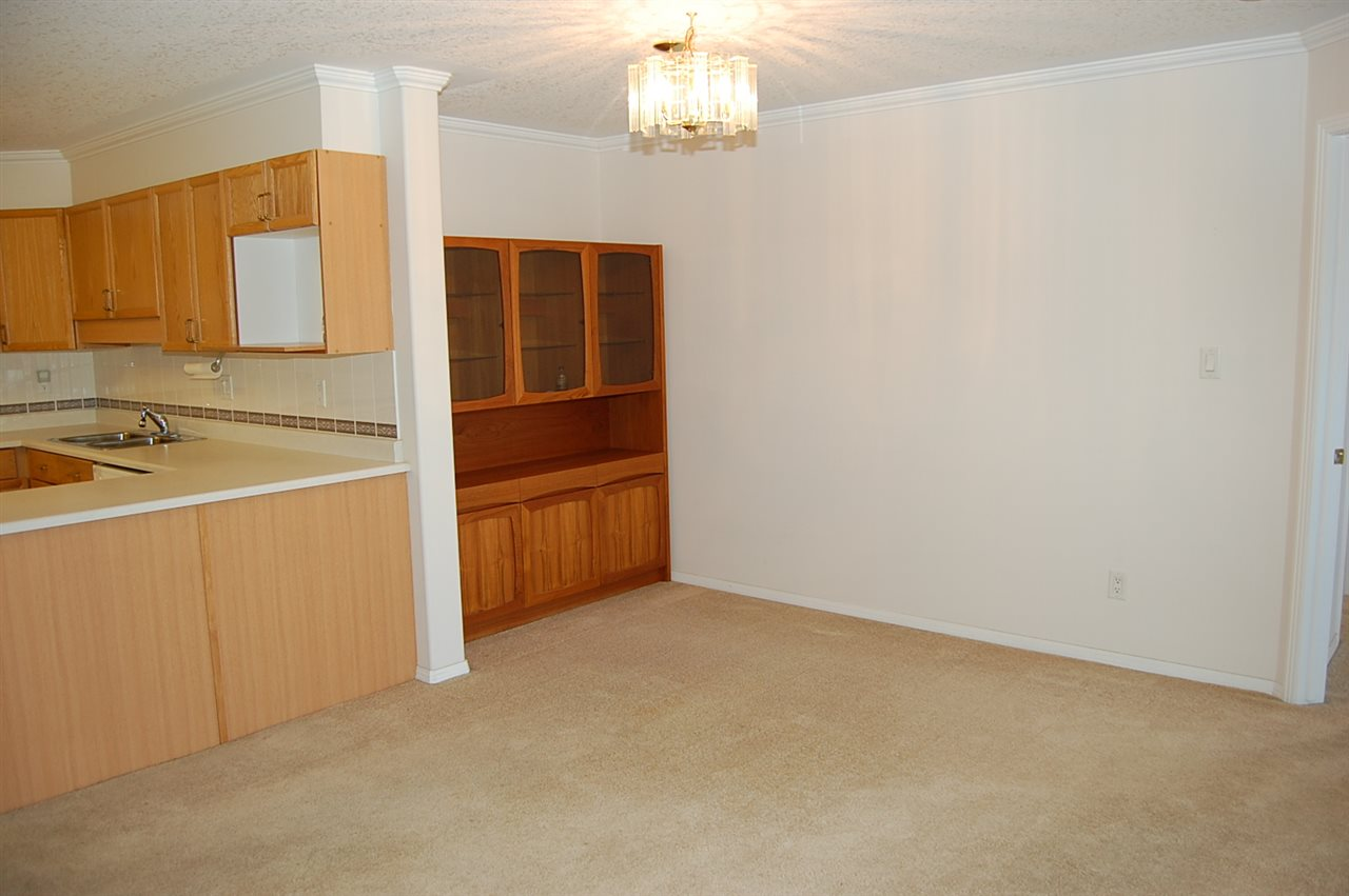 Photo 5: 408 8315 83 Street in Edmonton: Zone 18 Condo for sale : MLS® # E4072018