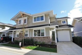"Main Photo: 91 12161 237TH Street in Maple Ridge: East Central Townhouse for sale in ""VILLAGE GREEN"" : MLS®# R2256116"