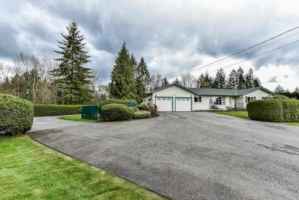 Main Photo: 24520 56 Avenue in Langley: Salmon River House for sale : MLS®# R2256737