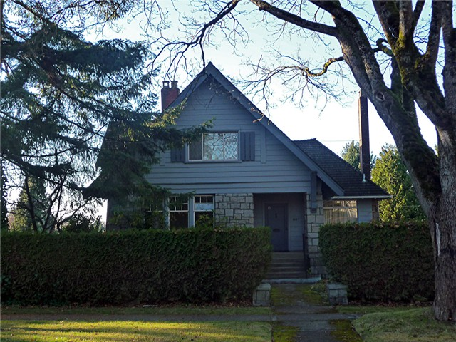 "Main Photo: 5087 CONNAUGHT DR in Vancouver: Shaughnessy House for sale in ""Shaughnessy"" (Vancouver West)  : MLS® # V1038064"